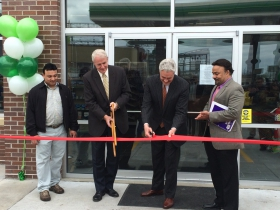 (L-R): Rick Walia, Mayor Tom Barrett, Alderman Robert Bauman, Jay Walia at groundbreaking of a new BP gas station on 27th and St. Paul.