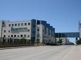 Aurora Sinai Medical Center