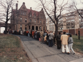 Tour Line for Pabst Mansion - 1984