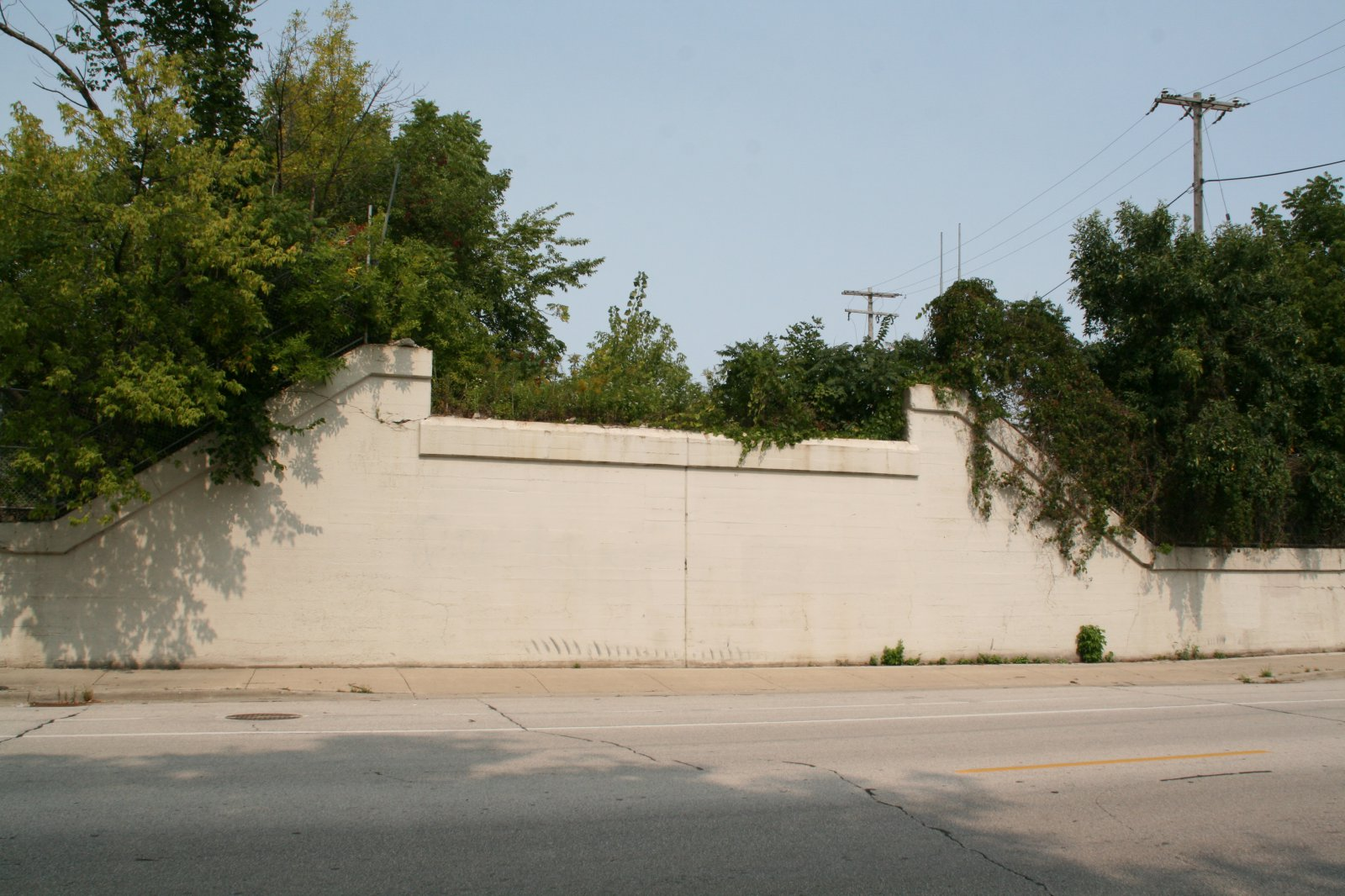 123-127 E. Becher St. along E. Lincoln Ave.