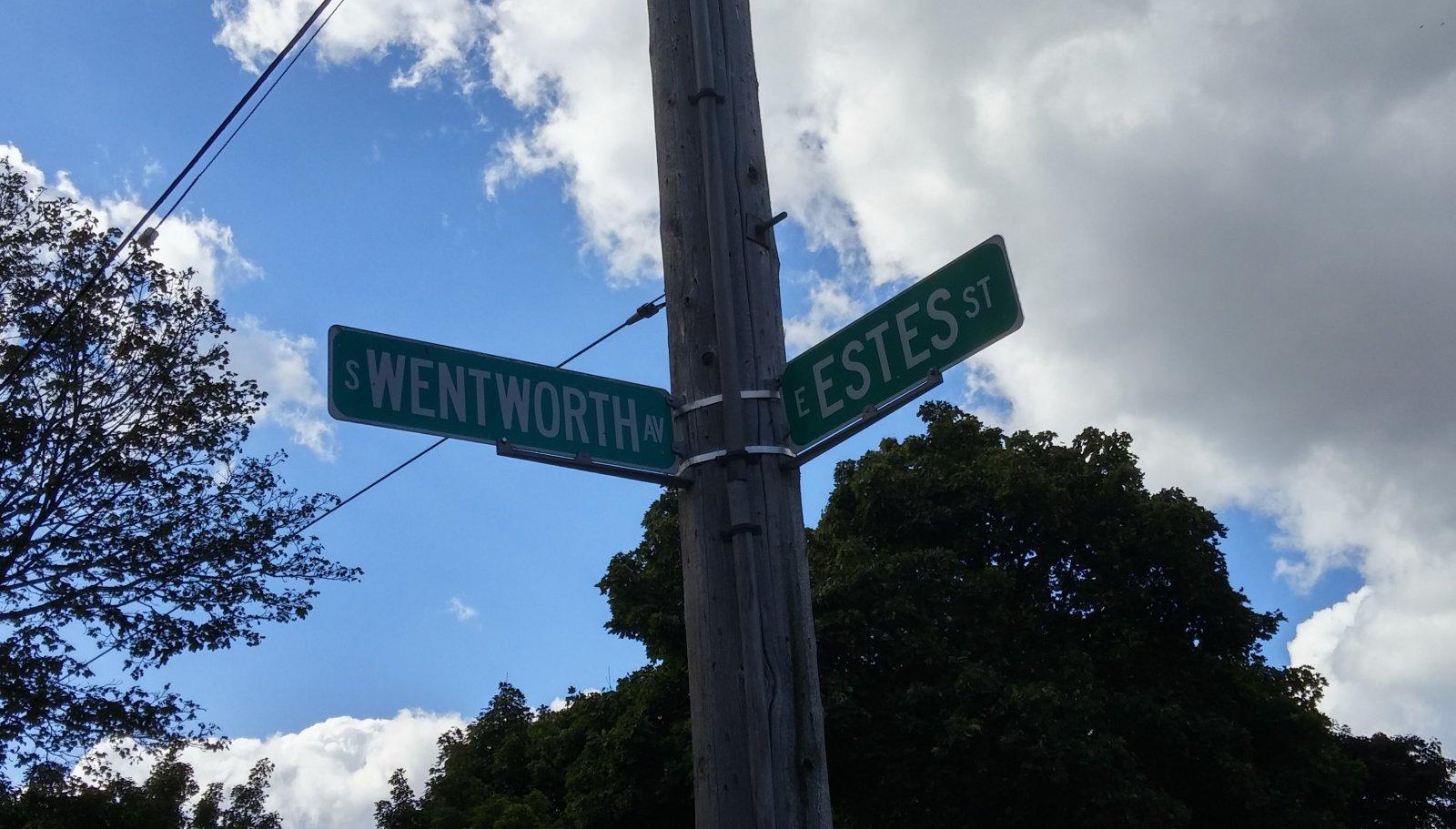 Intersection memorializing Elijah Estes and Zebiah Wentworth