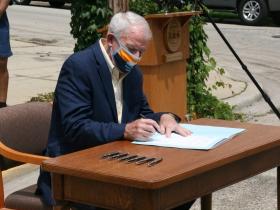 Mayor Tom Barrett Signs Mask Mandate