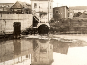 Combined sewer outlet at Becher, 1931