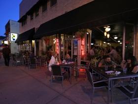 LuLu Cafe & Bar