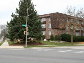 931 E. Russell Ave. Apartments