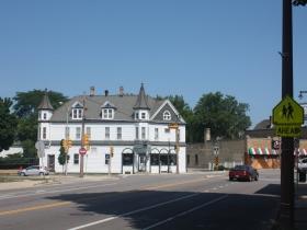 KK Landmark: Kneisler's White House Tavern