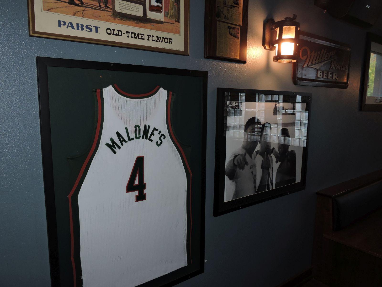 Malone\'s On Brady