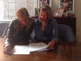 Glenna and Ginny reading.