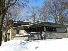 A row of Frank Lloyd Wright homes