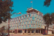 Milwaukee Inn Postcard