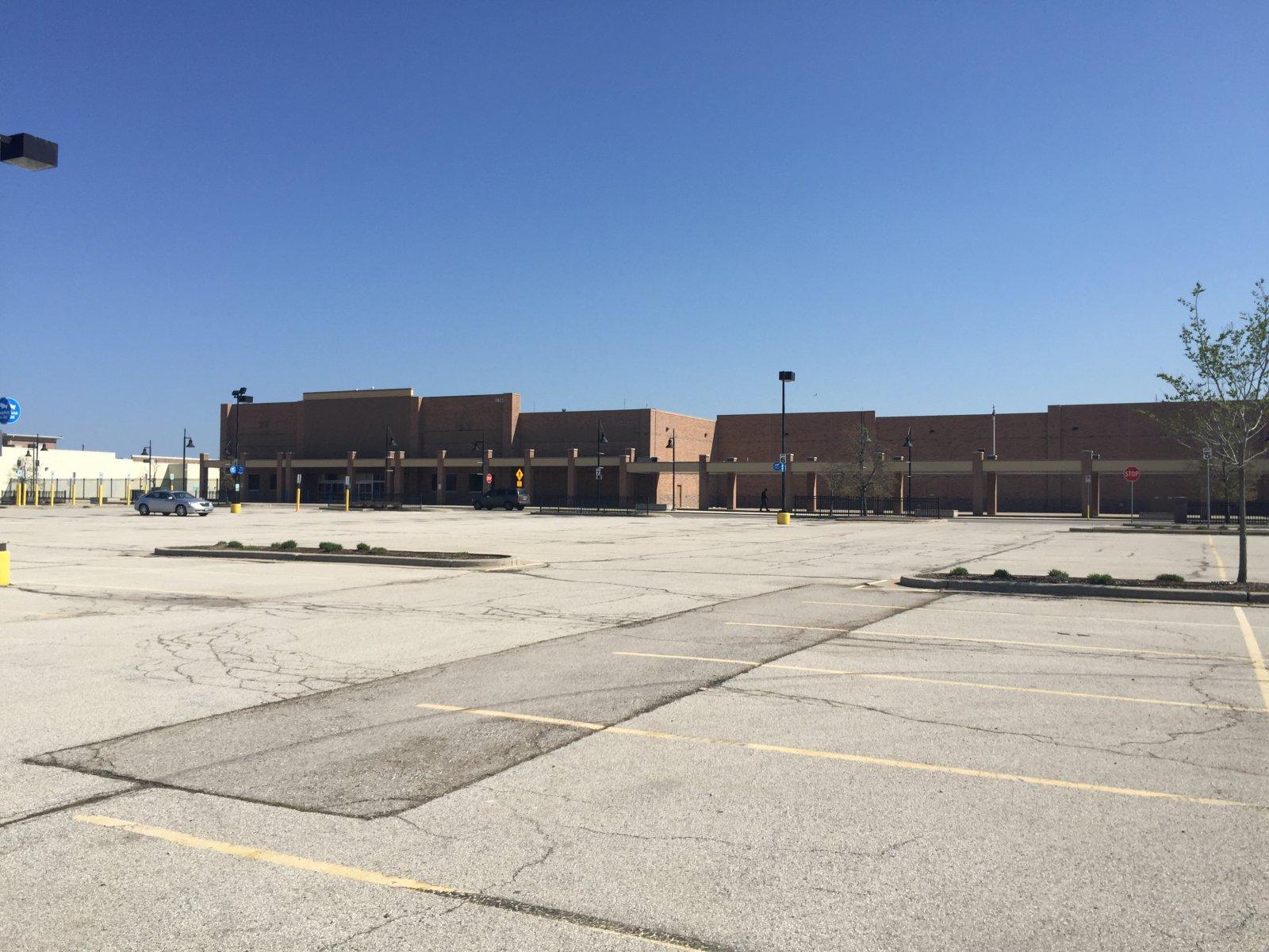 Vacant Wal-Mart at 5825 W. Hope Ave.