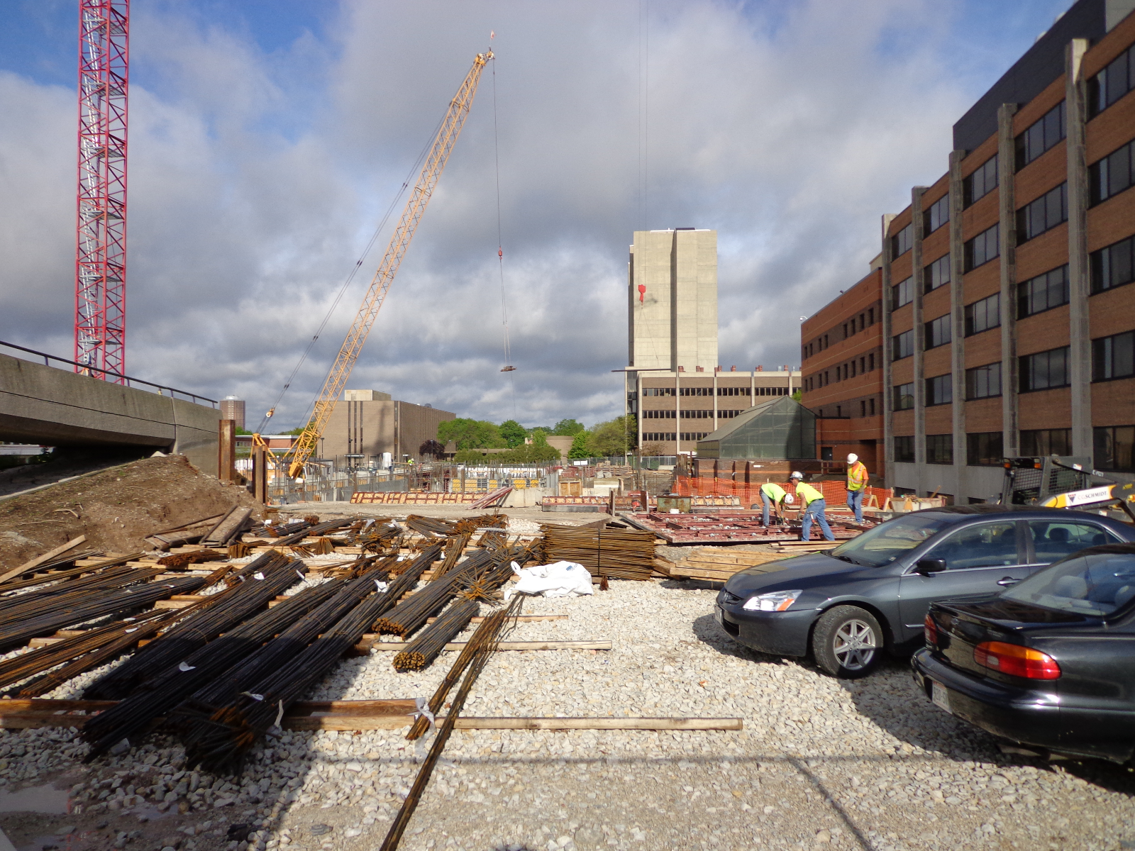 Kenwood Interdisciplinary Research Complex under construction.