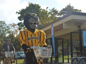 UWM's Pounce on a UWM-branded Bublr bike