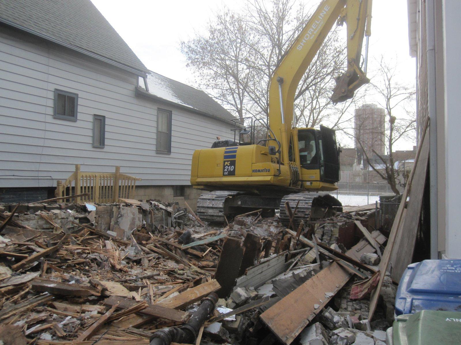 Demolition of 1159 E. Kane Pl.