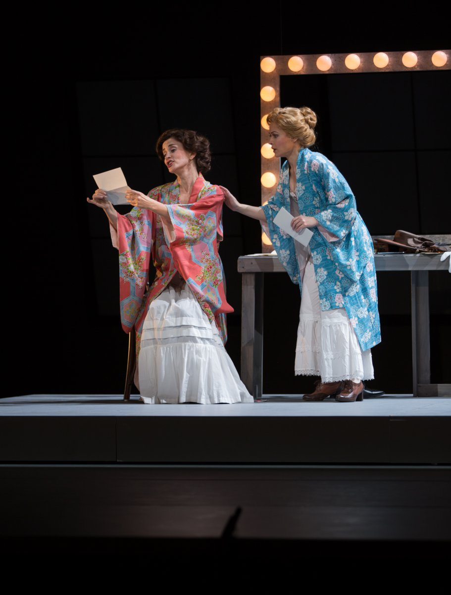 Sister Carrie at the Florentine Opera. Scenic design by Kris Stone, lighting design by Noele Stollmack, costume design by Rachel Laritz , wigs and makeup by Dawn Rivard. Photo by Kathy Wittman