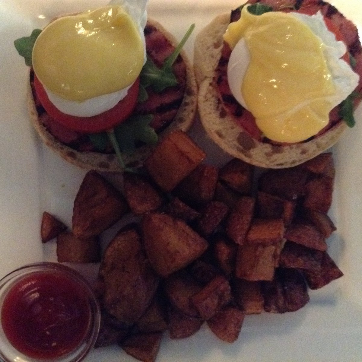 On The Menu at Buckley\'s: Eggs hollandaise