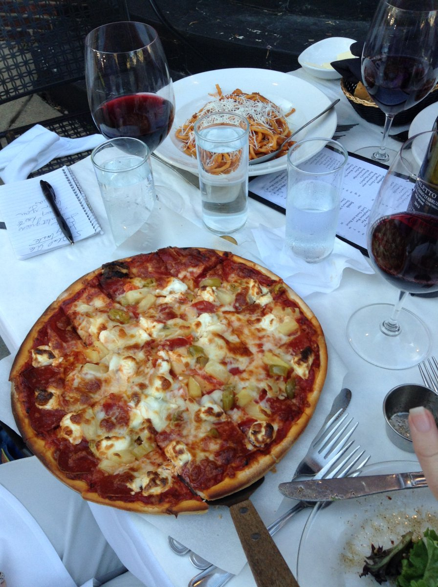Tenuta's Italian Restaurant: Diavola pizza