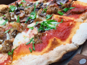 Fuggedaboutit pizza
