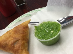 Sambusa and green sauce