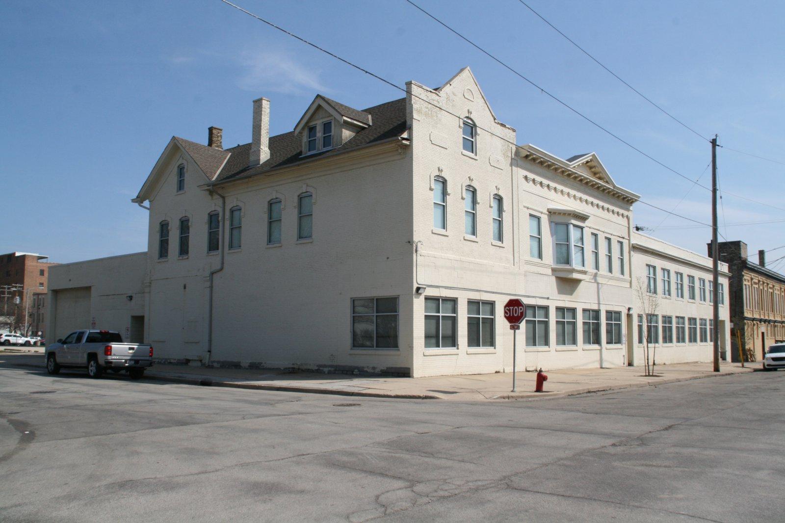 334 W. Brown St.