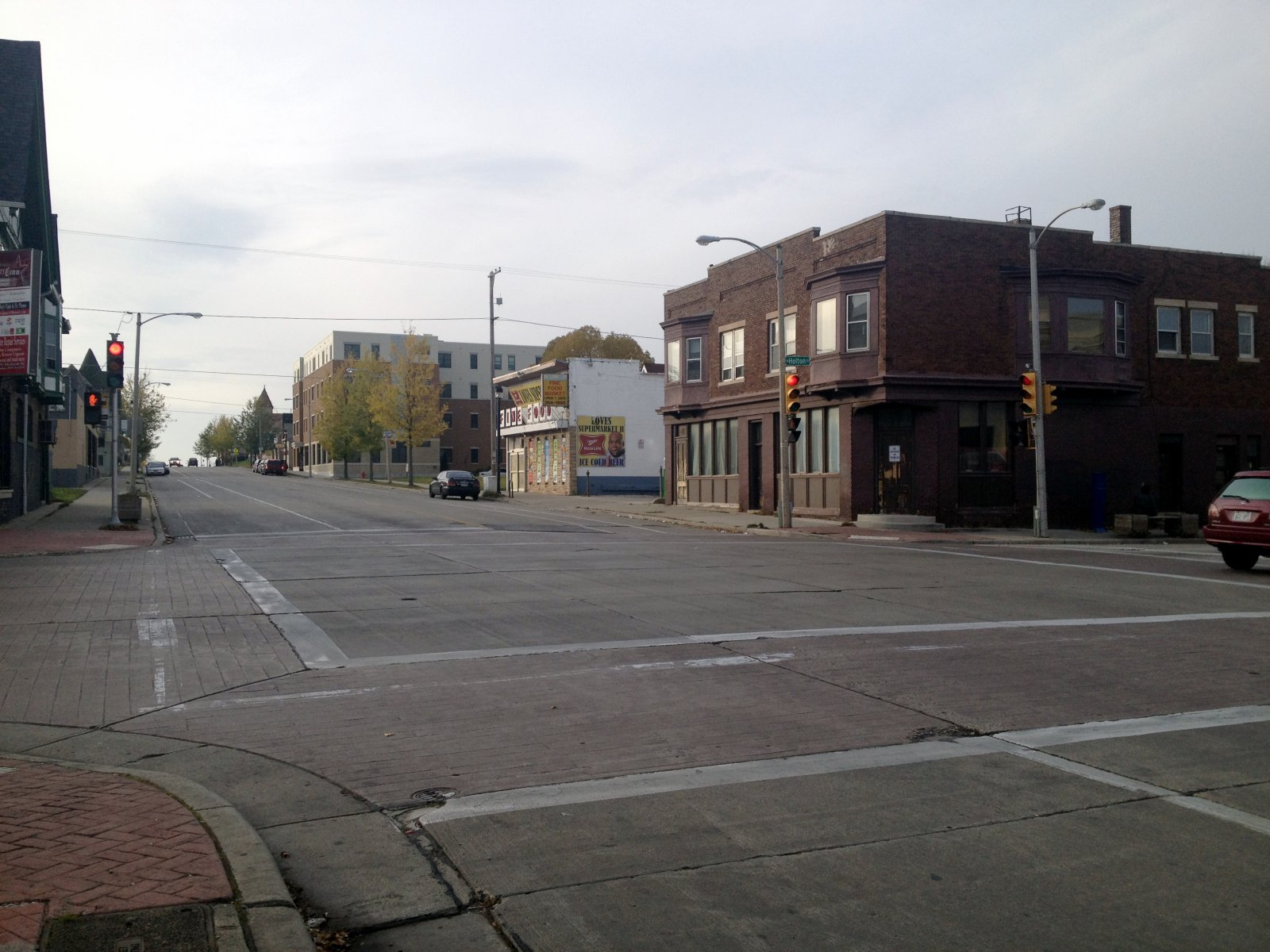 N. Holton St. and E. Center St.