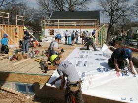Volunteers Build Houses