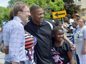 Chris Abele poses with festival goers