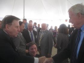 Gregg Fitzpatrick [l] and Mayor Tom Barrett [r]