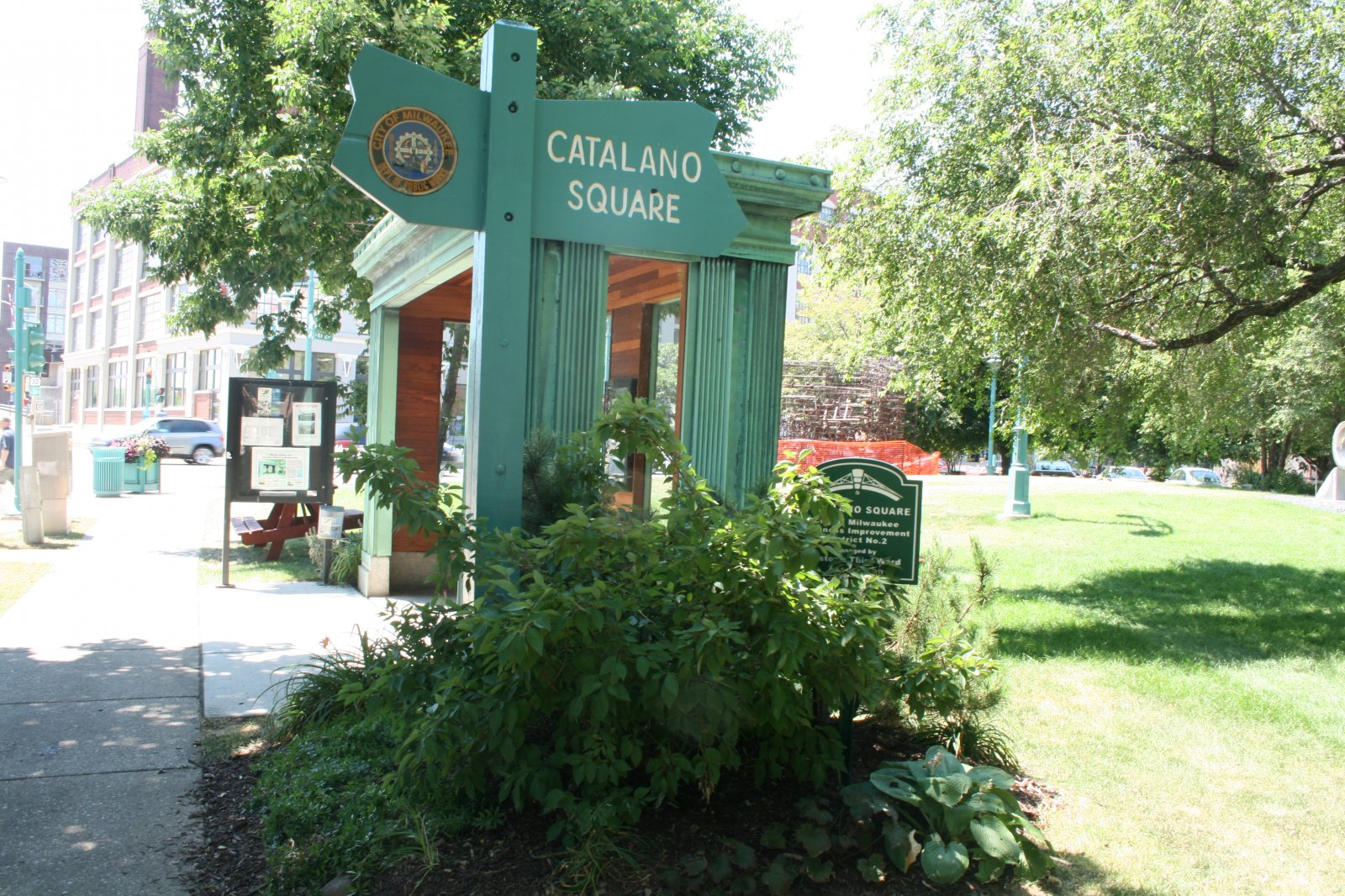 Streetcar Stop at Catalano Square