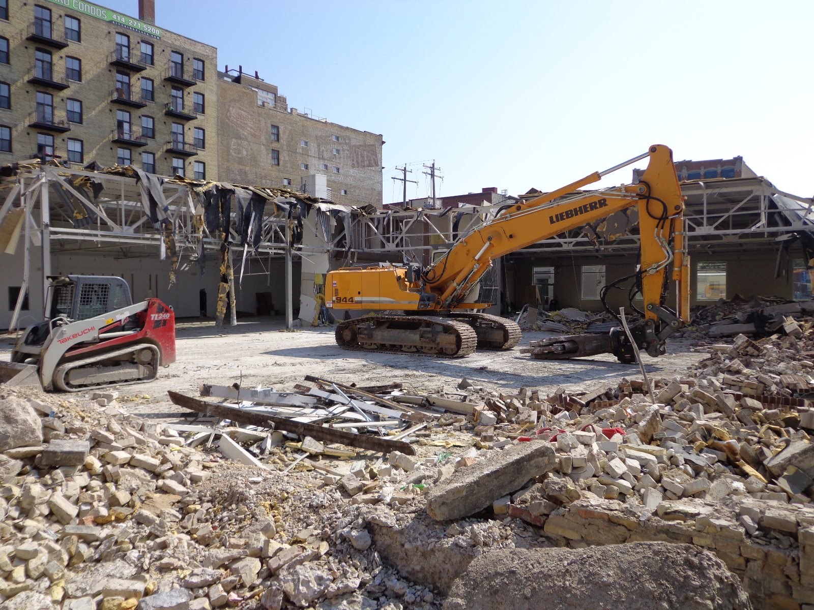 Demolition of 252 E. Menomonee St. to make way for MIAD\'s new residence hall.