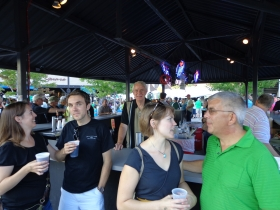 Mayor Tom Barrett serving up beers at Irish Fest.