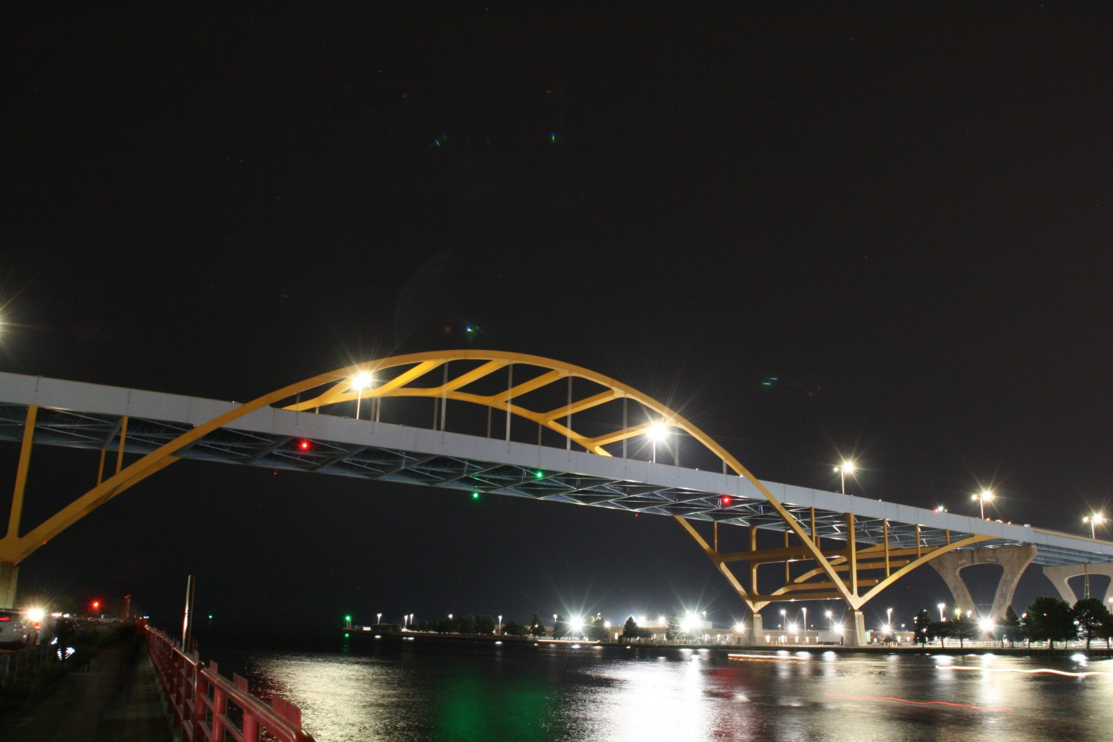 Hoan Bridge - Lights Off