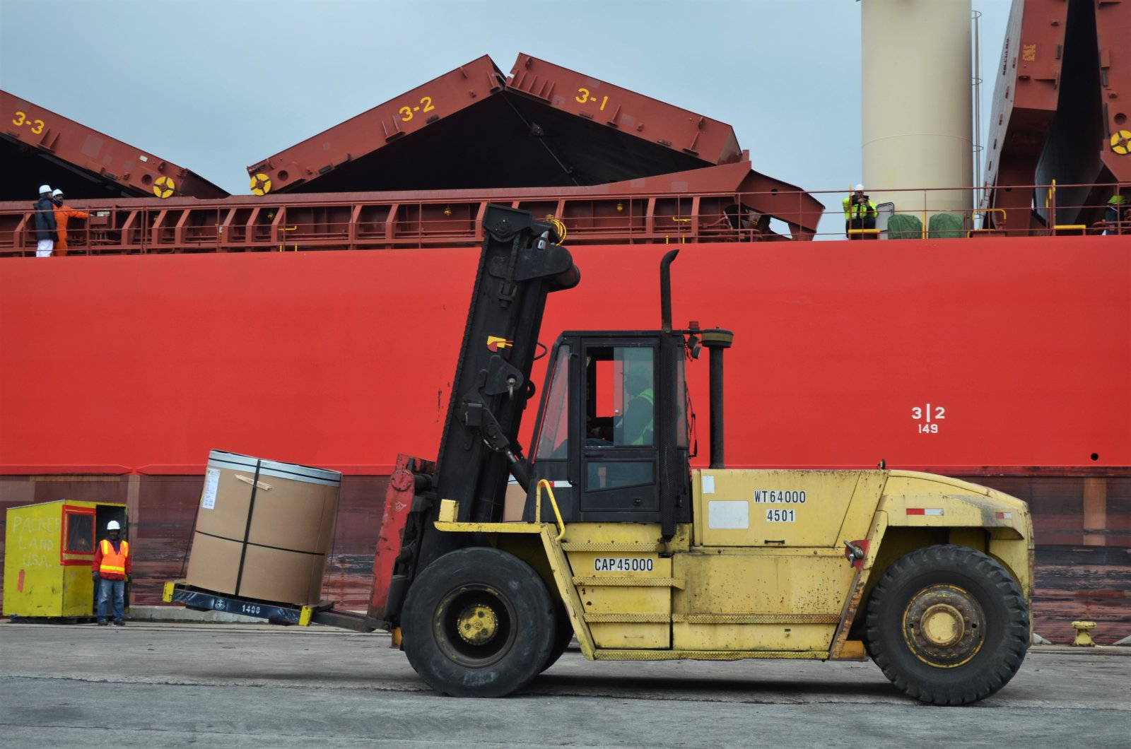 Unloading of the Federal Champlain