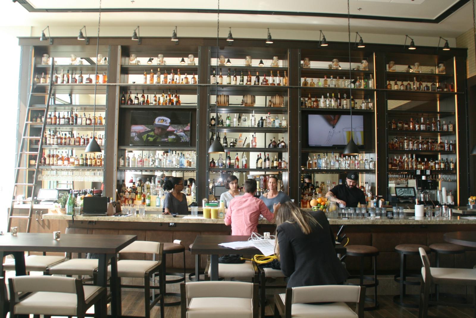 Stella on Van Buren Bar