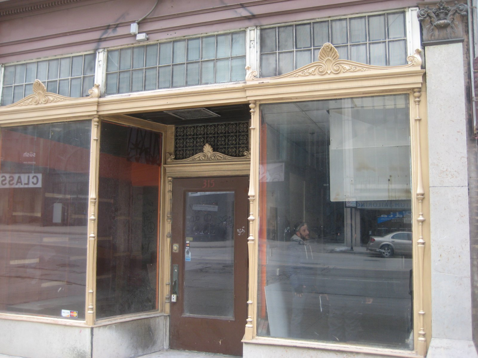 The copper-mullioned storefront is an excellent example of historic detail at the new Amilinda location on E. Wisconsin Ave.