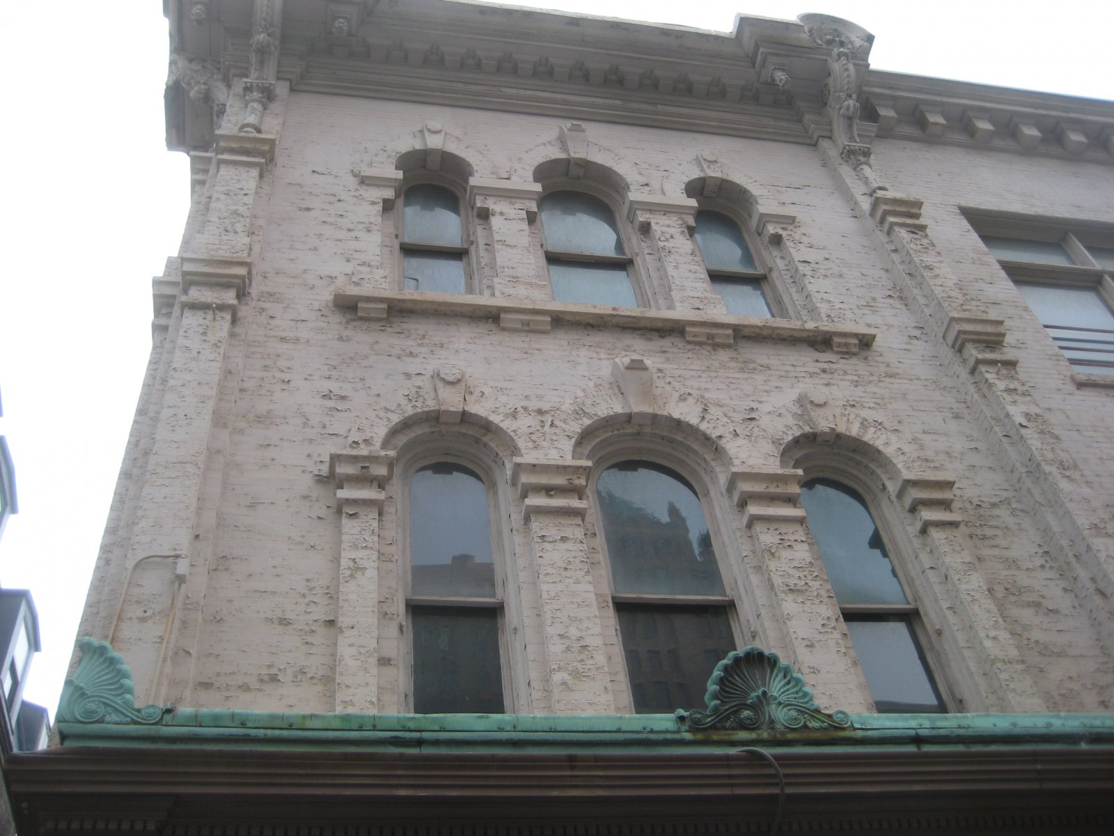Amilinda will open in a historic building on E. Wisconsin Ave. that has most recently held Chinese and Thai spots.