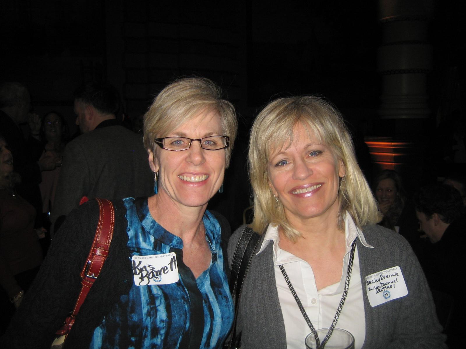 Kris Barrett (l), Becky Steimle (r)