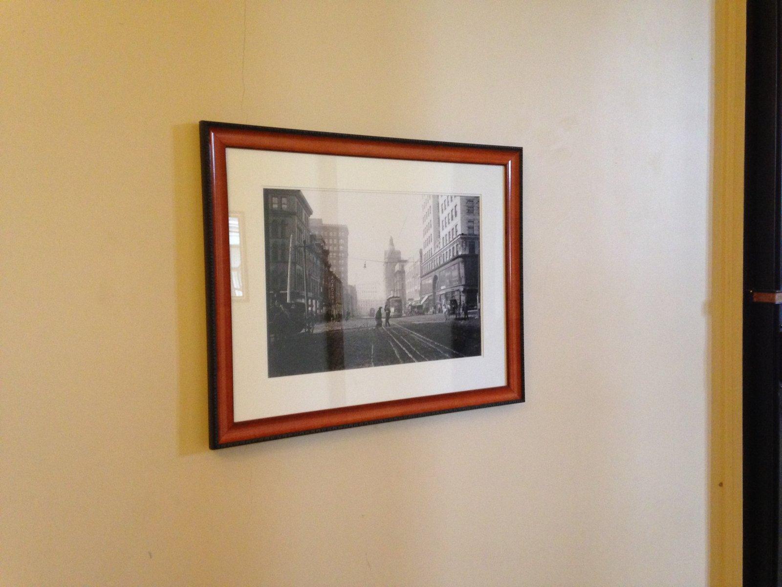 Streetcar photo in the lobby.