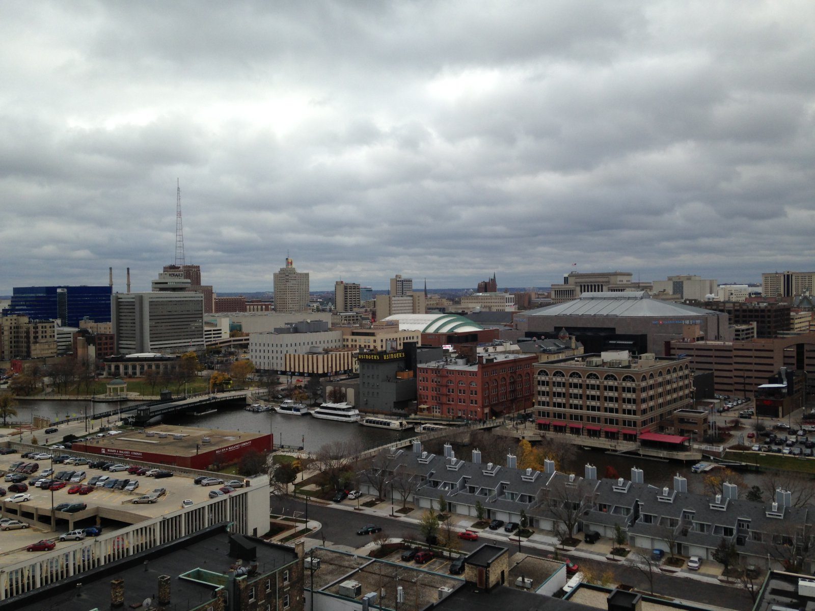 The apartments will have great views of Milwaukee.