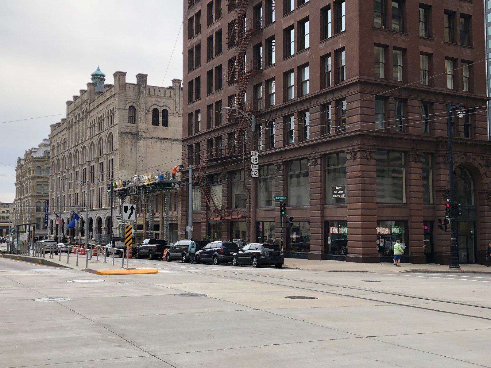 627-637 N. Broadway Facade Installation