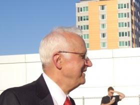 Dr. Hermann Viets