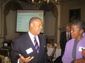 Darryl Jackson speaks with House Confidential honoree Cecelia Gore.