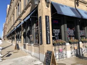 600 East Café