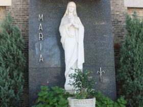 Maria outside of old St. Mary's Church