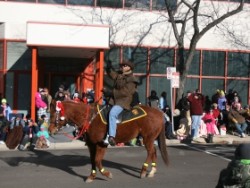 Sheriff David Clarke on a horse sporting a cowboy hat.