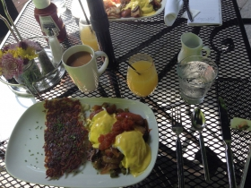Cafe at the Plaza: Vegetarian Eggs Benedict