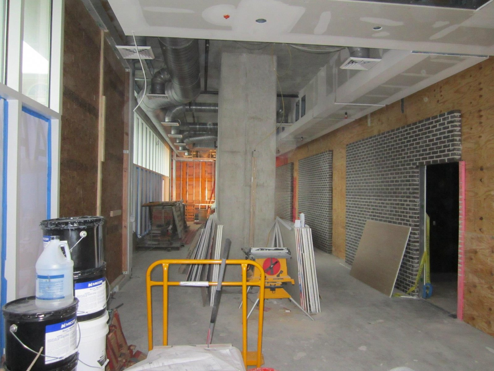 The build out of Carson\'s Prime Steaks and Famous BBQ in The Moderne