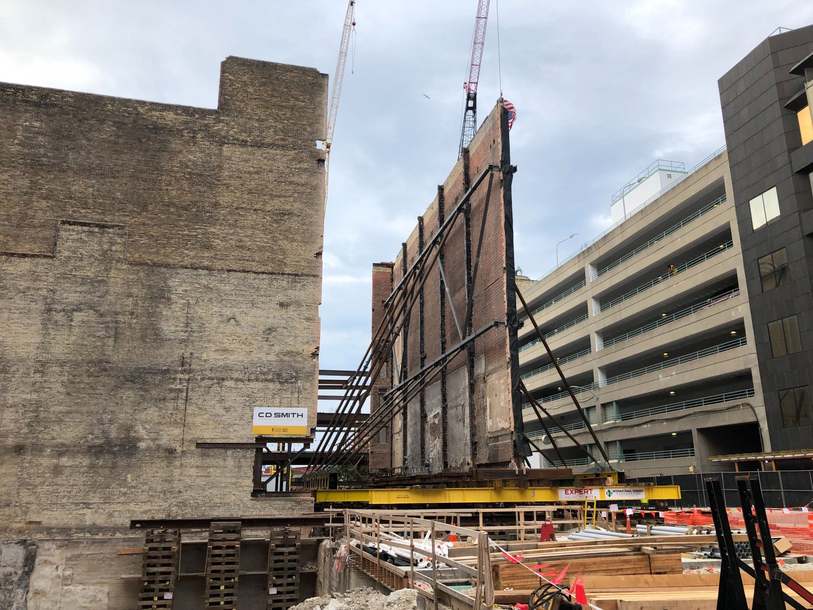 Grand Warner Theatre Wall Move