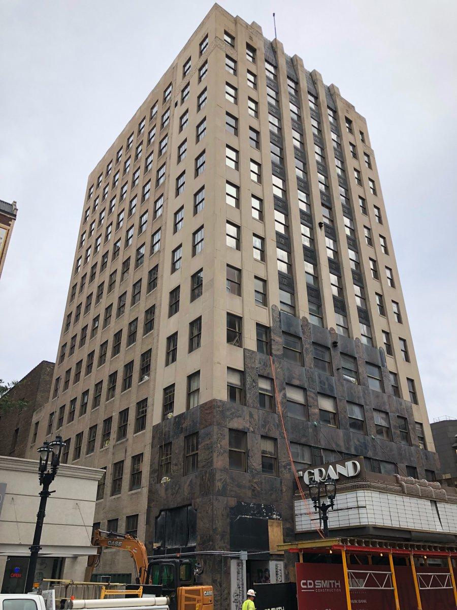 Grand Warner Office Building