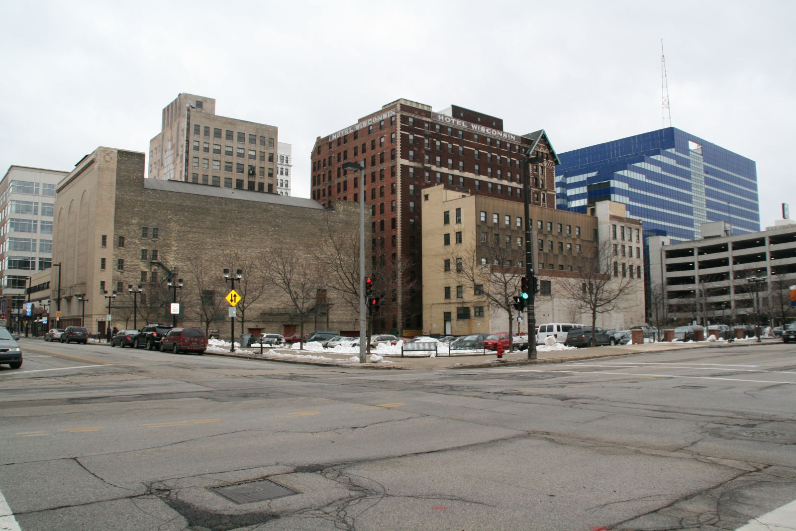 wells street case Milwaukee waukesha office location: 230 w wells street, milwaukee, wi 53203 this is the corner of 3rd & wells streets we can only take family law cases when they are referred from the sojourner truth family peace center.